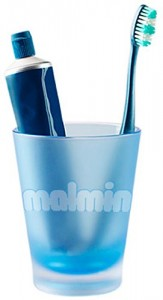 malmin-toothbrush-in-cup